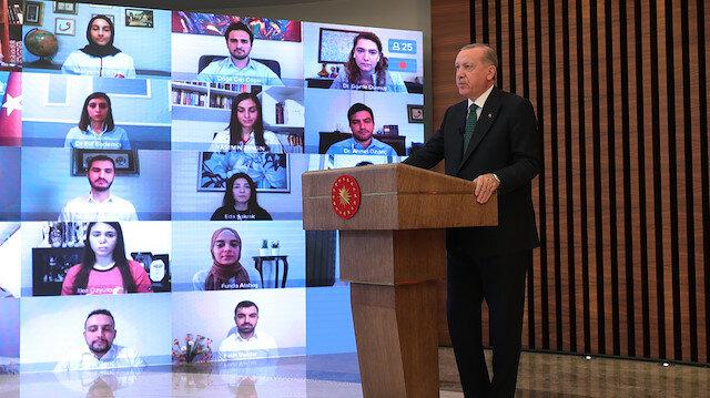 Cumhurbaşkanı Erdoğan: Eğlence mekanları ile nargile içilen yerler bir süre daha kapalı kalmaya devam edecektir