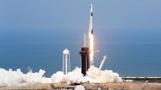 NASA astronotlarını taşıyan SpaceX'in uzay aracı fırlatıldı