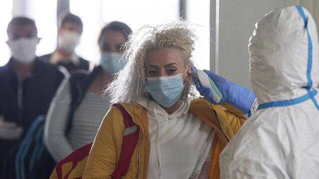 Bilim Kurulu üyesi uyardı: Virüs sıcaklığa dayanmasa da insan vücudunda yaşar