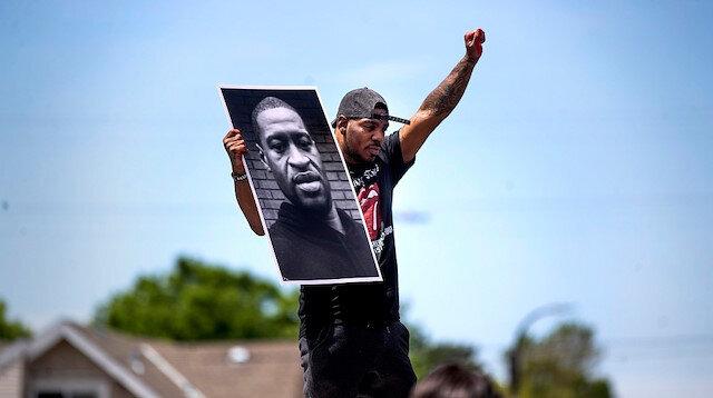 Öldürülen Floyd'un ailesi polis müdürüyle yüzleşti