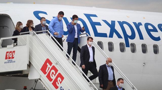 Koronavirüs sonrası Antalya'ya ilk yolcu uçağı indi