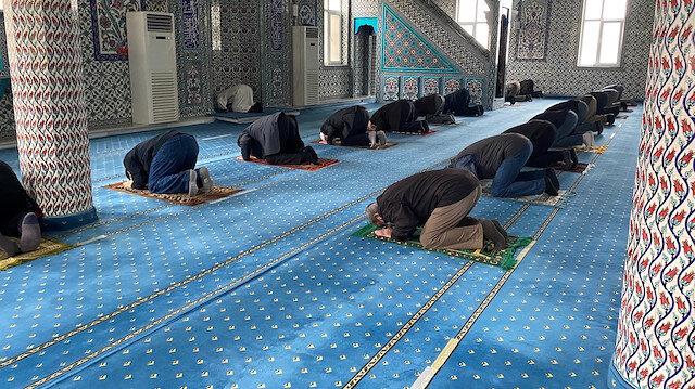 İstanbul Müftüsü'nden cemaatle namaz açıklaması: Belki önümüzdeki hafta diğer üç vakitte de cemaatle namaz kılabileceğiz
