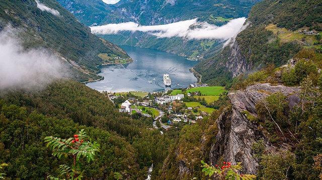 Huzuru başının üzerinde taşıyanların ülkesi: Norveç