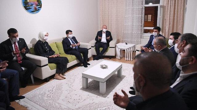 Bakan Soylu'dan Barış Çakan'ın ailesine taziye ziyareti