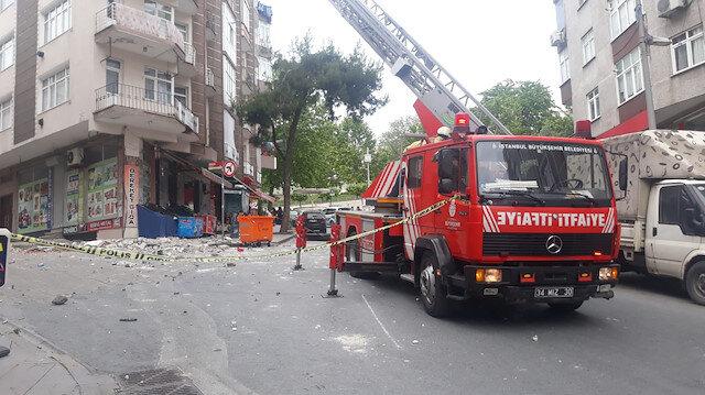 Güngören'de bir binanın balkonunda çökme meydana geldi