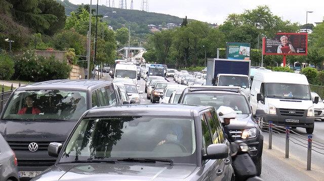 Normalleşme sürecinin üçüncü gününde trafik yoğunluğu yaşandı