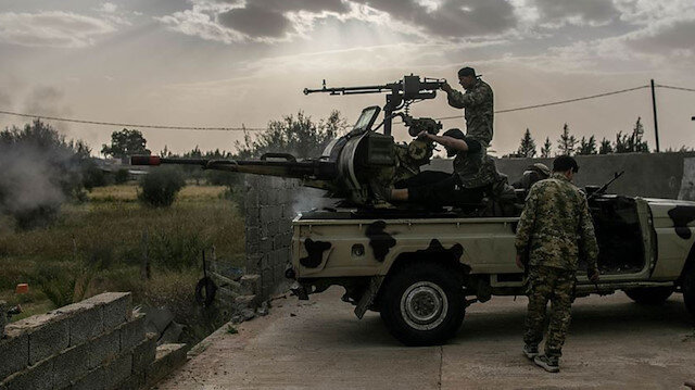 Libya ordusu Trablus Havalimanı'nı kurtarma operasyonunu resmen başlattı