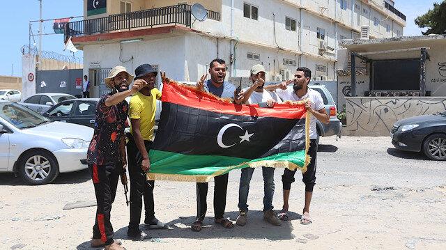 Libya ordusu, Ayn Zara ve Vadi er-Rebi bölgelerini darbeci Hafter milislerinden temizlendi