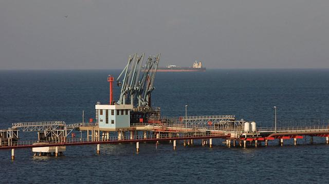 BAE, Hafter'e destek için Libya petrolünü illegal yollarla satmaya çalışıyor