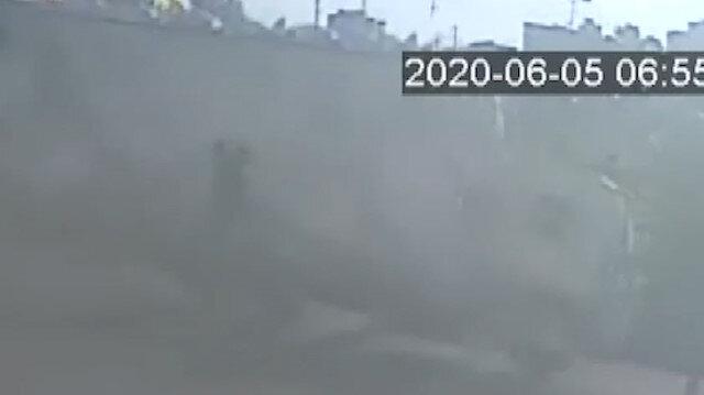 Saman yüklü kamyonun devrilme anı kamerada
