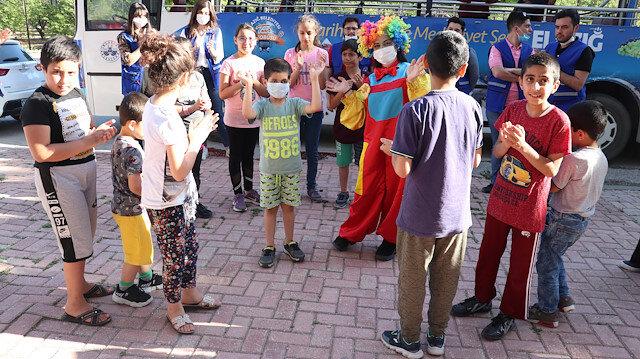 Cumhurbaşkanı Erdoğan'ın tedavisini üstlendiği küçük Taha Elazığ'da coşkuyla karşılandı