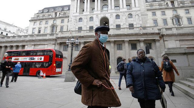 İngiltere'de 24 saatte 204kişi hayatını kaybetti: Koronavirüsten ölenlerin sayısı 40 bin 465'e yükseldi