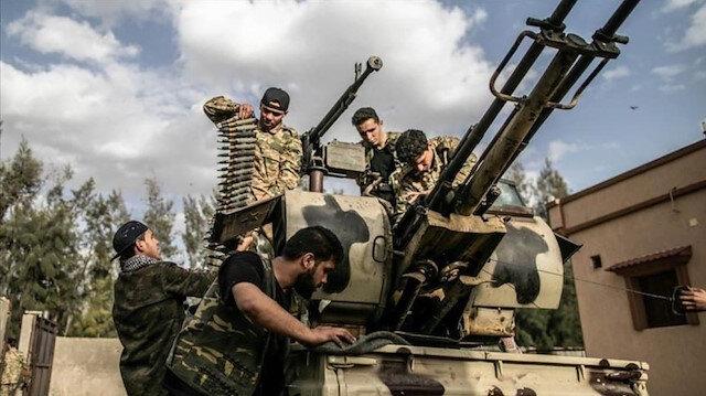 Libya ordusu Sirte'nin güneyinde iki bölgeyi ele geçirdi