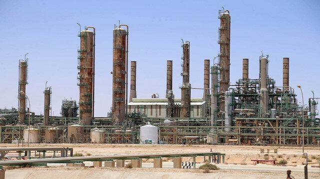 Libya'da darbeci Hafter milisleri El-Fil petrol sahasını basarak üretimi durdurdu
