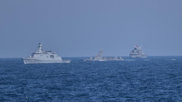 Yunanistan'dan tehlikeli tahrik: Türk donanmasının önünü kestiler