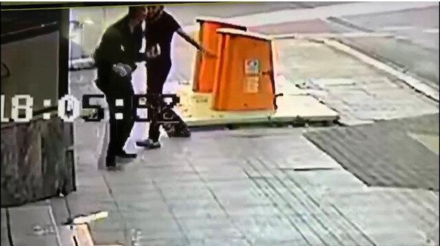 İstanbul Pendik'te dehşete düşüren olay: Cadde ortasında defalarca bıçakladı