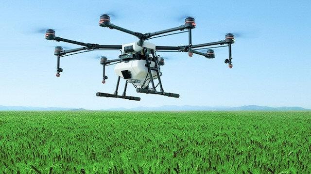 Liselilerden bostan korkuluğu yerine drone: Tarlaları vahşi hayvanlardan koruyor