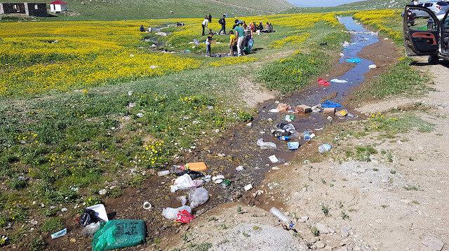 Doğa harikası yayla, çöplüğe döndü: Bölge sit alanı