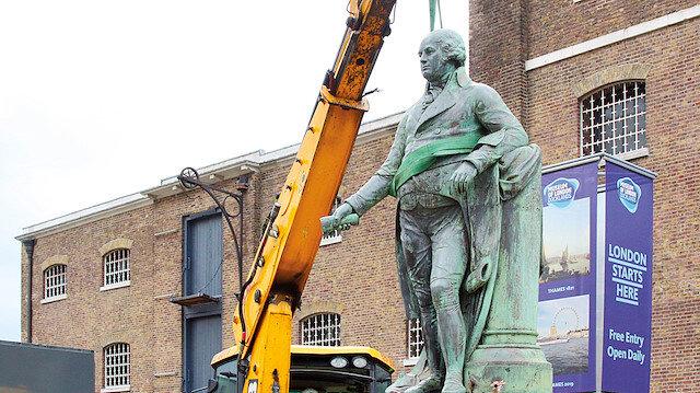 Heykeller kaldırılmaya başlandı: Irkçı mirasın izi heykeller tek tek yıkılıyor