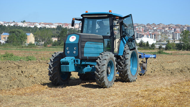 Bakan Pakdemirli elektrikli traktör için tarih verdi: Dünyada ilk Türk çiftçisi kullanacak