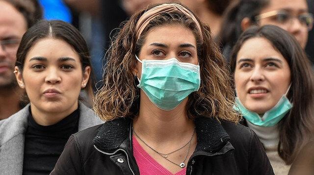 Bilim Kurulu üyesi Özlü: Maske takmayana da yanlış takana da ceza uygulanmalı