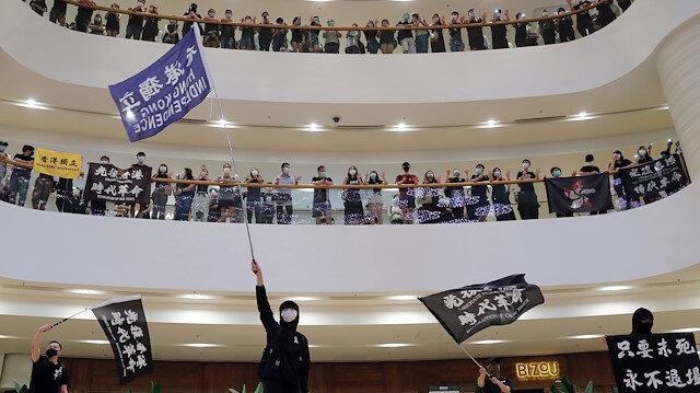İngiltere, Çin'in Hong Kong güvenlik yasasına tepki gösterdi