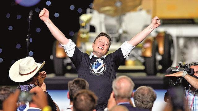 Elon Musk uzaya çıktı - bizim putperestler bayram etti
