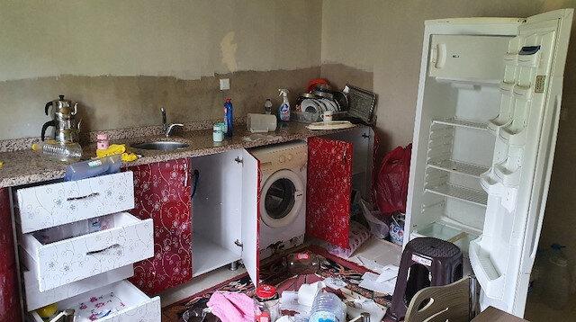 Kastamonu'da aç kalan ayı girdiği evin altını üstüne getirdi: Eşyalar kullanılmaz hale geldi