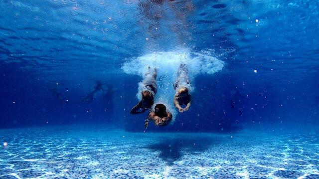 Kaybolduğun sularda yüzüyorum