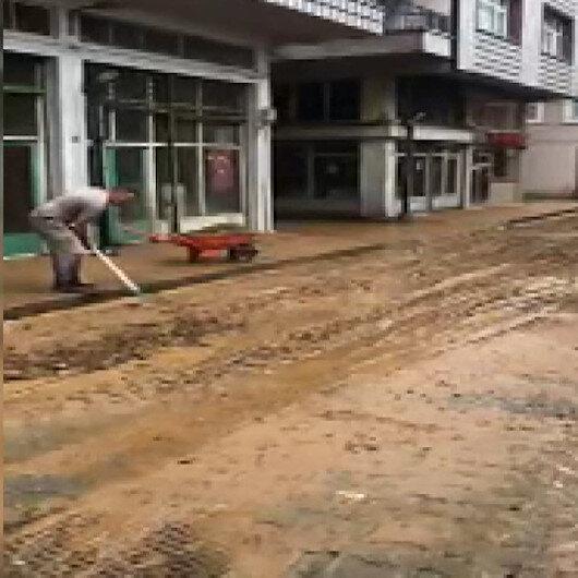 Rizede şiddetli yağış iş yerlerinde su baskınına sebep oldu