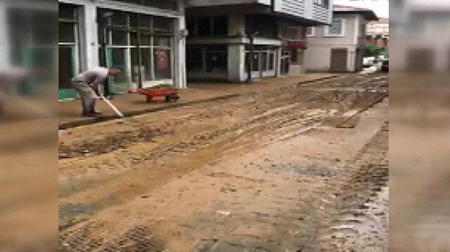 Rize'de şiddetli yağış iş yerlerinde su baskınına sebep oldu
