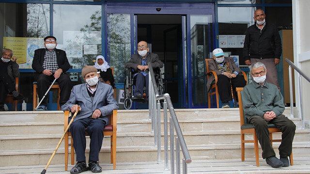 Bakan Selçuk'tan huzurevi açıklaması: Ziyaretçi kabul edilmeyecek