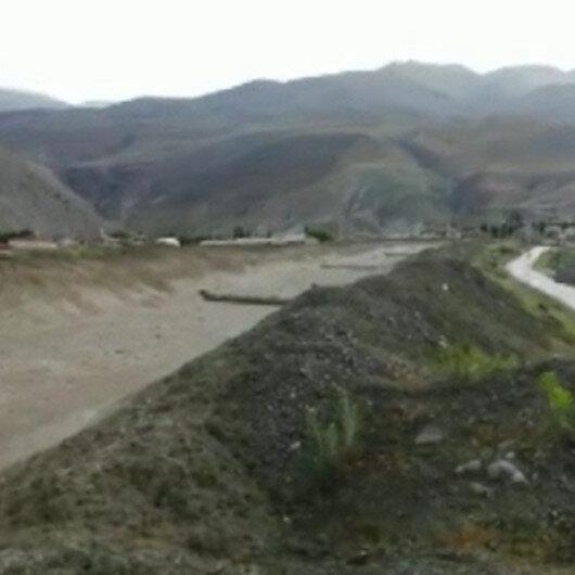 Erzincan'da sel anı kamerada