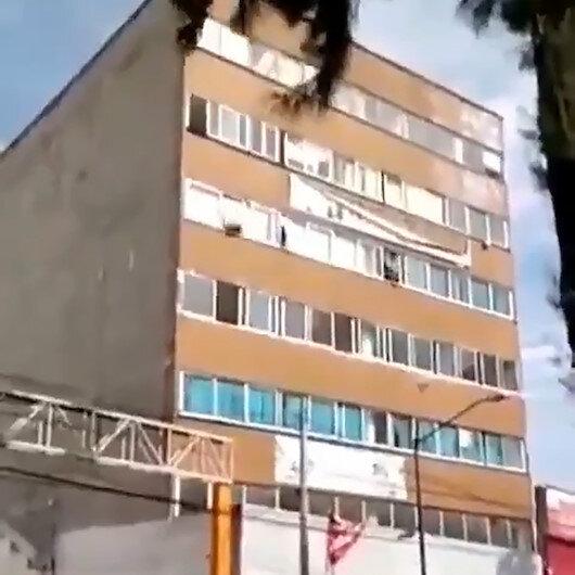 Meksikada korkutan deprem kameralara yansıdı