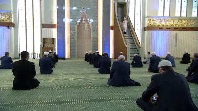 Diyanet duyurdu: Camiler tüm vakitlerde ibadete açılıyor