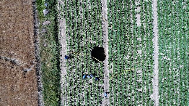 Karaman'da oluşan obruk köylülerde büyük tedirginlik oluşturdu