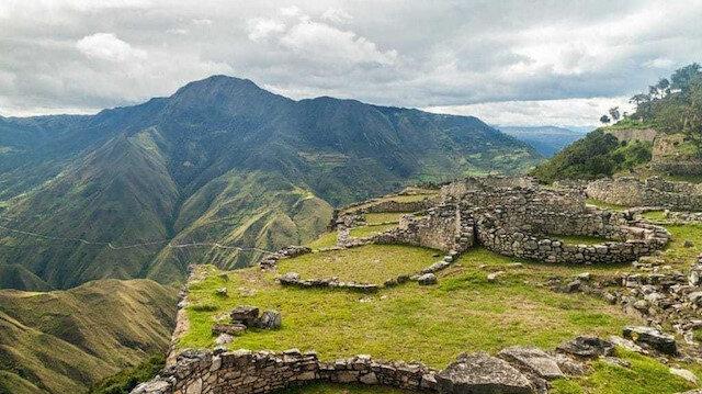 Bulut insanlarının ülkesinde bir kale: Kuêlap