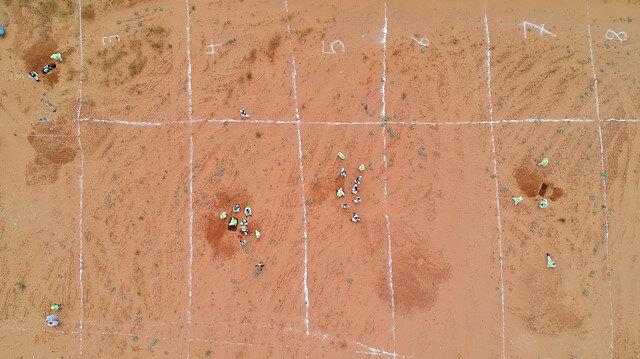 Libya'da bulunan toplu mezarlar havadan görüntülendi