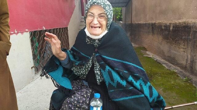 Dolandırıcının Aydın'da yakalandığını öğrenen Fatma nine, gözyaşlarına boğuldu