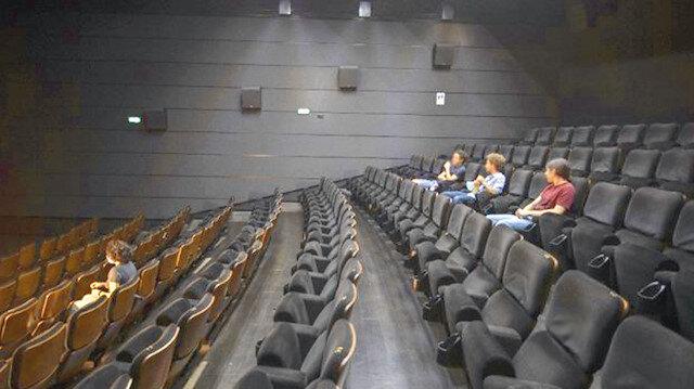 Sinemalarda kapasite yüzde 60'ı aşmayacak