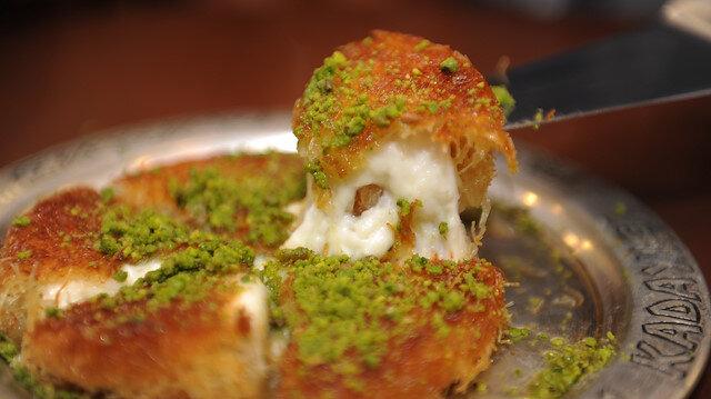 Osmanlı Saray Kadayıfı lezzetli tatlılarıyla mideleri şenlendiriyor