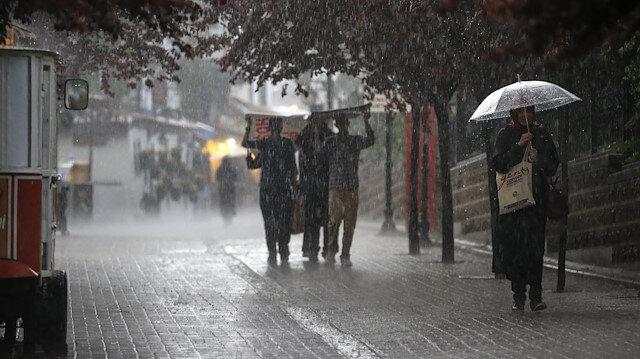 Meteoroloji son tahminlerini açıkladı: Bazı illere sağanak ve kuvvetli yağış uyarısı yapıldı