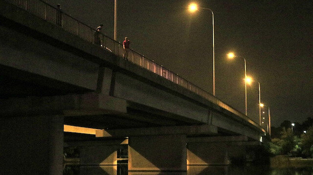'Kul hakkı yedim' deyip intihar etmek için köprüye çıktı