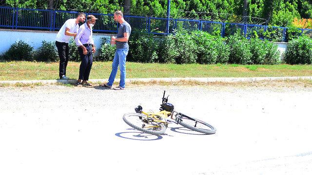 Adana'daki bisikletli dolandırıcı suçüstü kameralara yansıdı