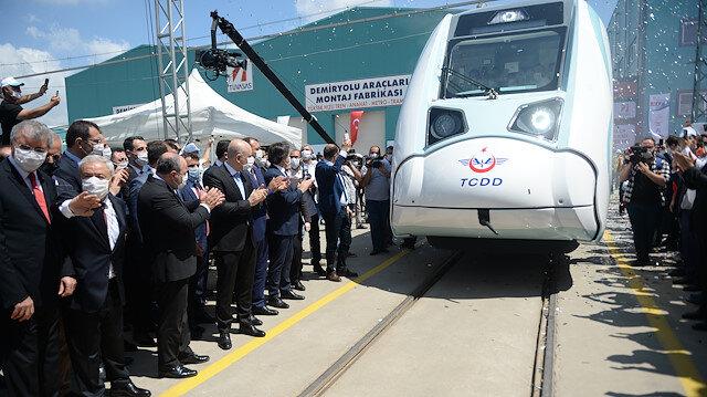 Türkiye adını raylara yazdırıyor: Milli tren ilk testine çıktı