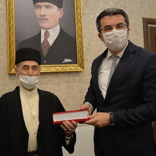 Erzurumlu Dadaş Necati Huma Kuşu türküsü ile Vali Memişi duygulandırdı