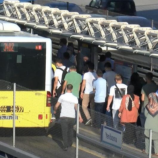 İstanbulda iş çıkışı metrobüs ve trafikte yoğunluk