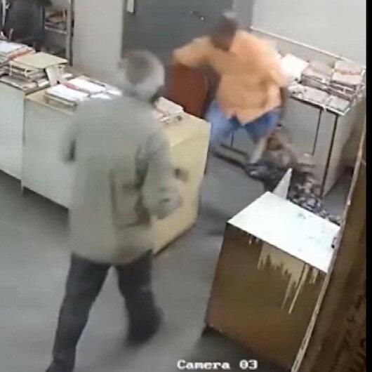 Maskeni tak diye uyaran mesai arkadaşını dövdü
