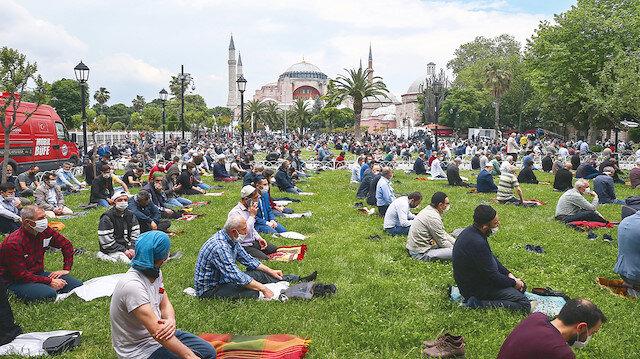 """Ayasofya heyecanı: Tarihi karar öncesinde 16 ildeki vatandaşlar Danıştay'a """"Ayasofya'yı aç, esaret bitsin"""" çağrısı yaptı"""