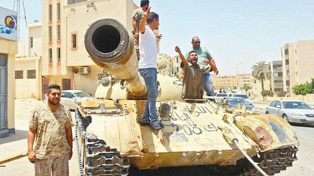 Libya'yı bölme planı: Petrol gelirleri üç farklı bölgede üç farklı bankaya yatırılacak